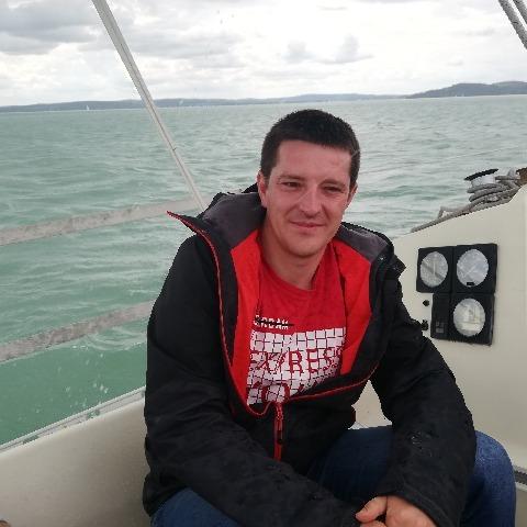 Csaba , 27 éves társkereső férfi - Baracs