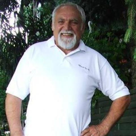 Zoli, 68 éves társkereső férfi - Baracs
