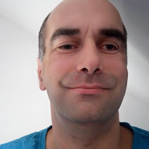 Robert, 40 éves társkereső férfi - Baracs